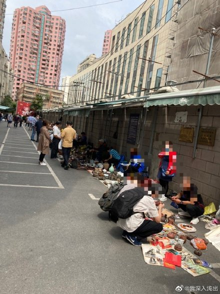 上海地攤。(微博網友)
