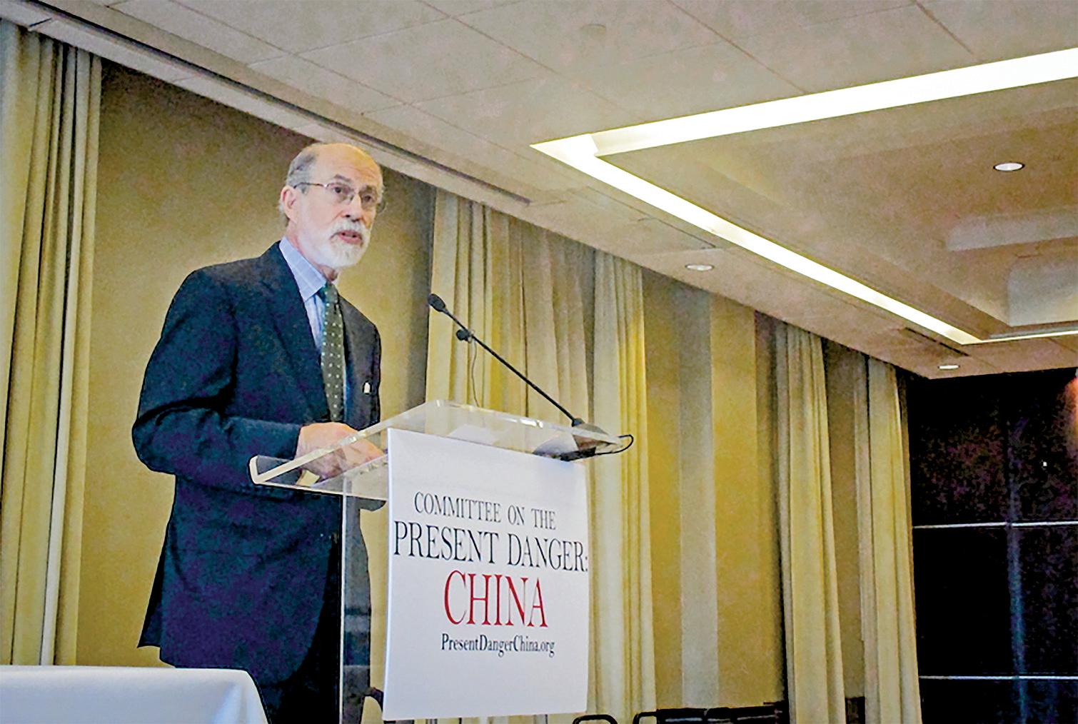 美國「應對中共當前危險委員會」(Committee on the Present Danger: China)副主席、列根總統政府時期的國防部代理助理部長蓋夫尼(Frank Gaffney)。(李辰/大紀元)