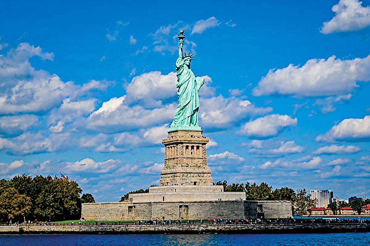 美國紐約自由女神像。(戴兵/大紀元)