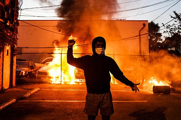 美國崛起的Antifa與中共超限戰連體?