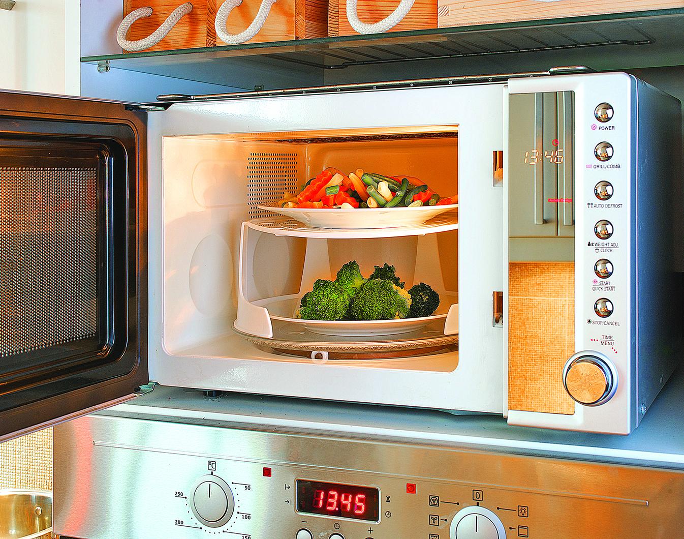 用微波爐烹調蔬菜十分方便!