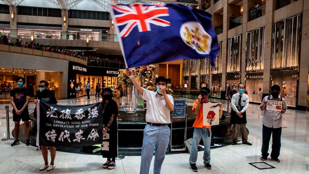 「五眼聯盟」擬接納港人。圖為香港人抗議港版國安法。(ISAAC LAWRENCE/AFP via Getty Images)