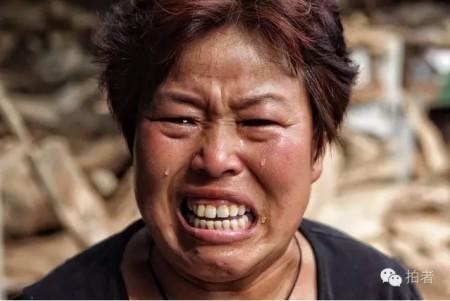 23日,河北邢台王快鎮河會村村民高女士說,「我辛苦了一輩子,現在什麼都沒了,以後怎麼活啊!」「你們一定要給我報一報啊!」(網絡圖片)