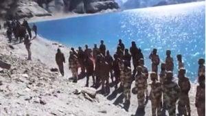 中印邊境對峙 雙方軍力集結 西藏軍區夜間演習
