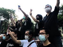 【維園六四大屠殺悼念】維園點燃燭光 香港人無懼 中共最怕人民力量
