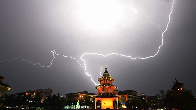 有法媒說,從台灣總統蔡英文「520」講話至今,中南海又遭遇四顆驚雷「連環炸」,且步步驚心。(credit should read STR/AFP/Getty Images)