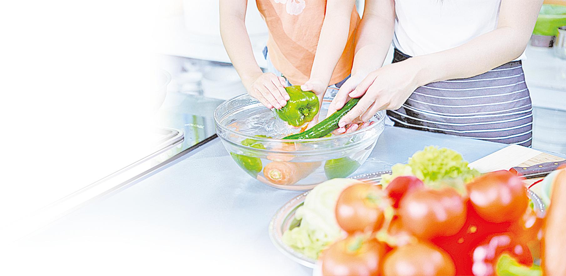 建議你熟悉不同蔬果的清潔方法,讓你的飲食更安全健康。