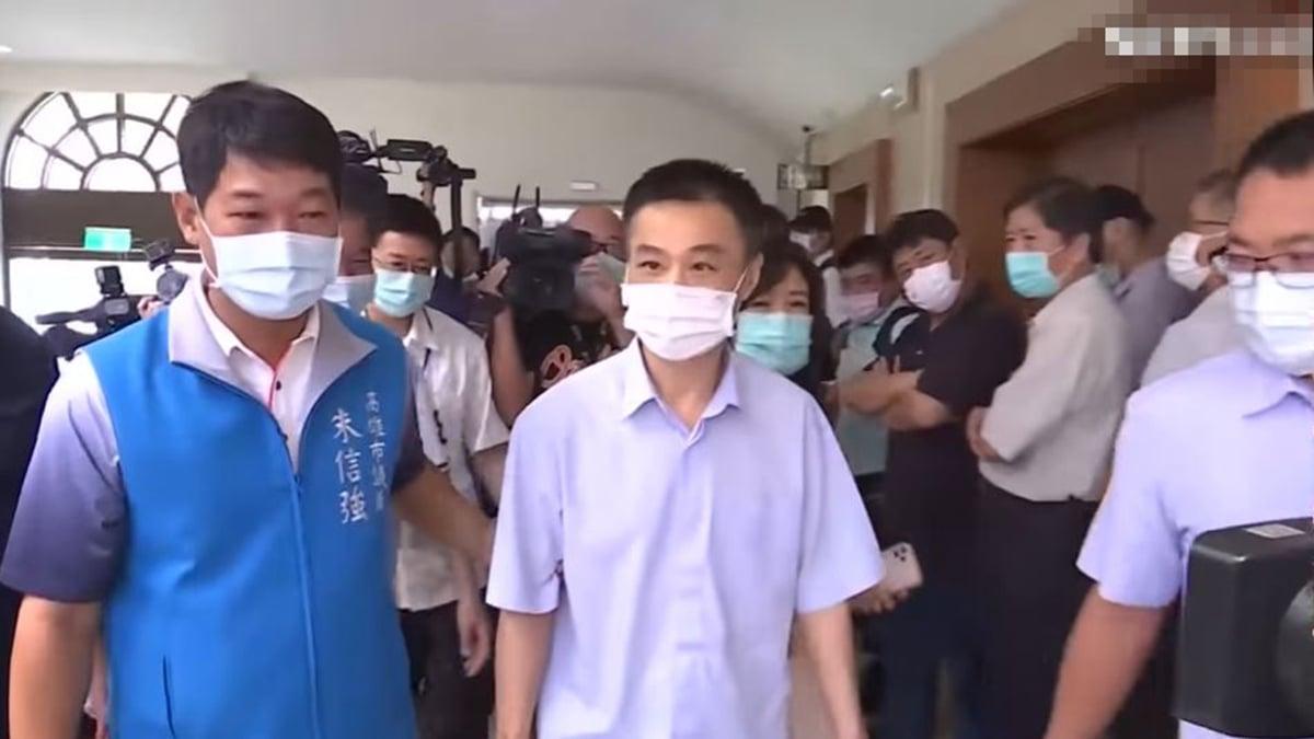 高雄市長韓國瑜6月6日被高票罷免,當晚高雄議長許昆源突然在家中跳樓自殺,外界分析其死因不簡單。圖為許昆源最後一次現身高雄議會。(視頻截圖)