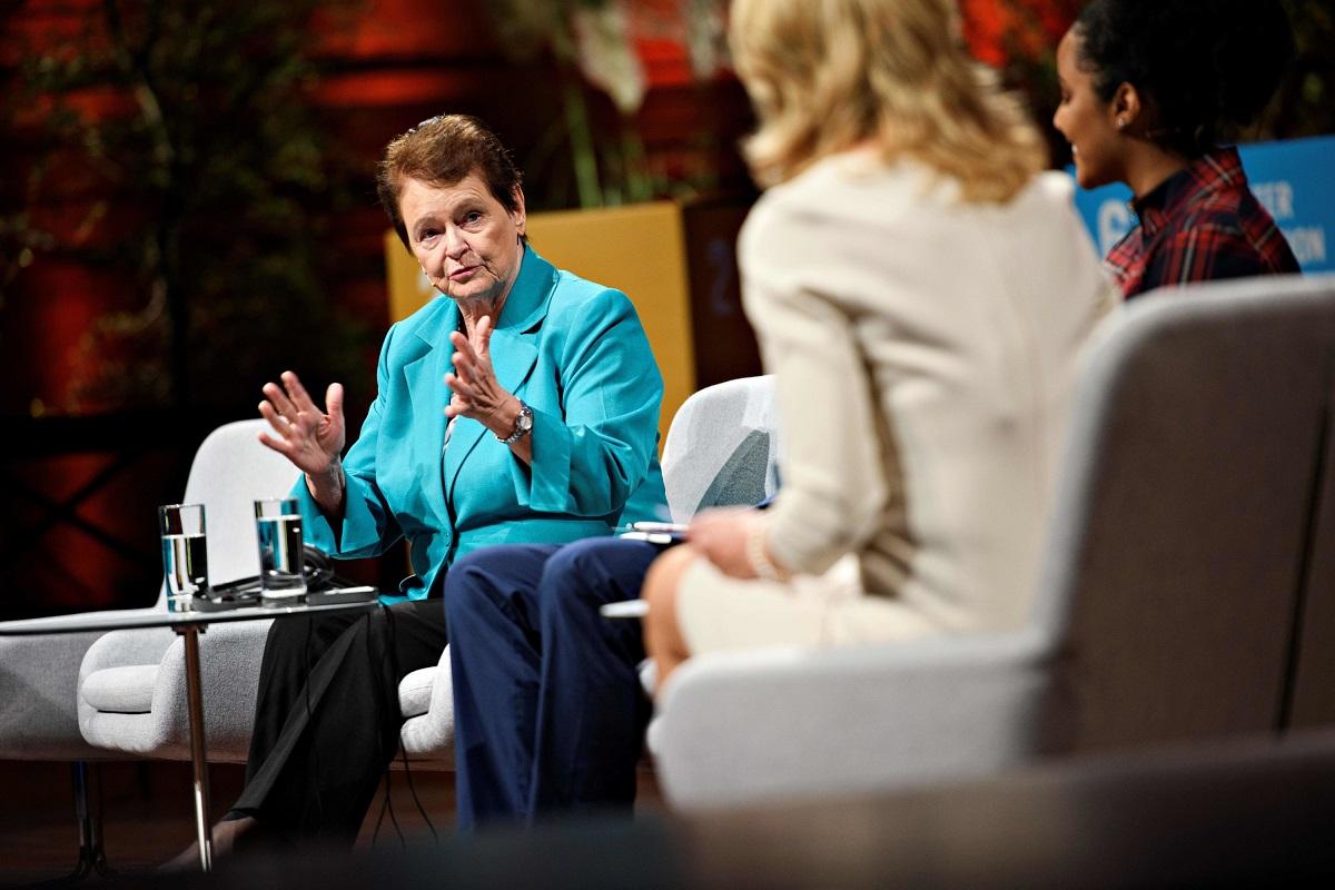 世衛前總幹事布倫特蘭德(Gro Harlem Brundtland)6月7日批評中共在發現人傳人時,沒有及時通報疫情。(PHILIP DAVALI/Getty Images)