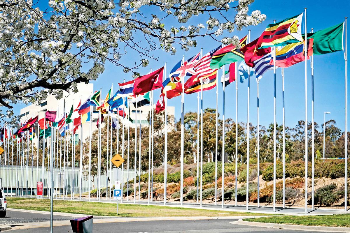 來自美國、英國、日本、澳洲、加拿大、德國、挪威、瑞典八國的國會議員和政治人士組成了「對華政策跨國議會聯盟」。(安平雅/大紀元)