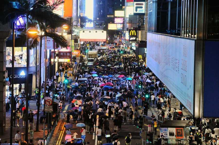 「6.9」港人抗爭周年 上千市民中環遊行 53人被抓