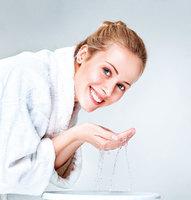 女醫師分享美麗肌膚的秘訣 30年來只用低溫清水洗臉