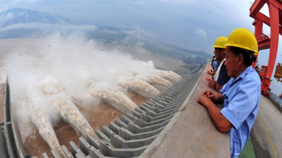 黨媒證實三峽大壩變形,專家此前曾預警:將有特大災難發生。(STR/AFP/GettyImages)