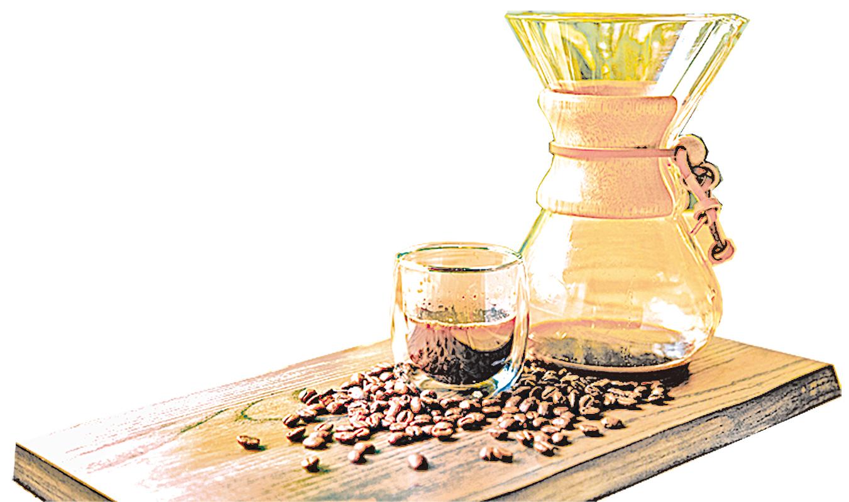 由德國博士發明的Chemex手沖壺,造型典雅流暢。