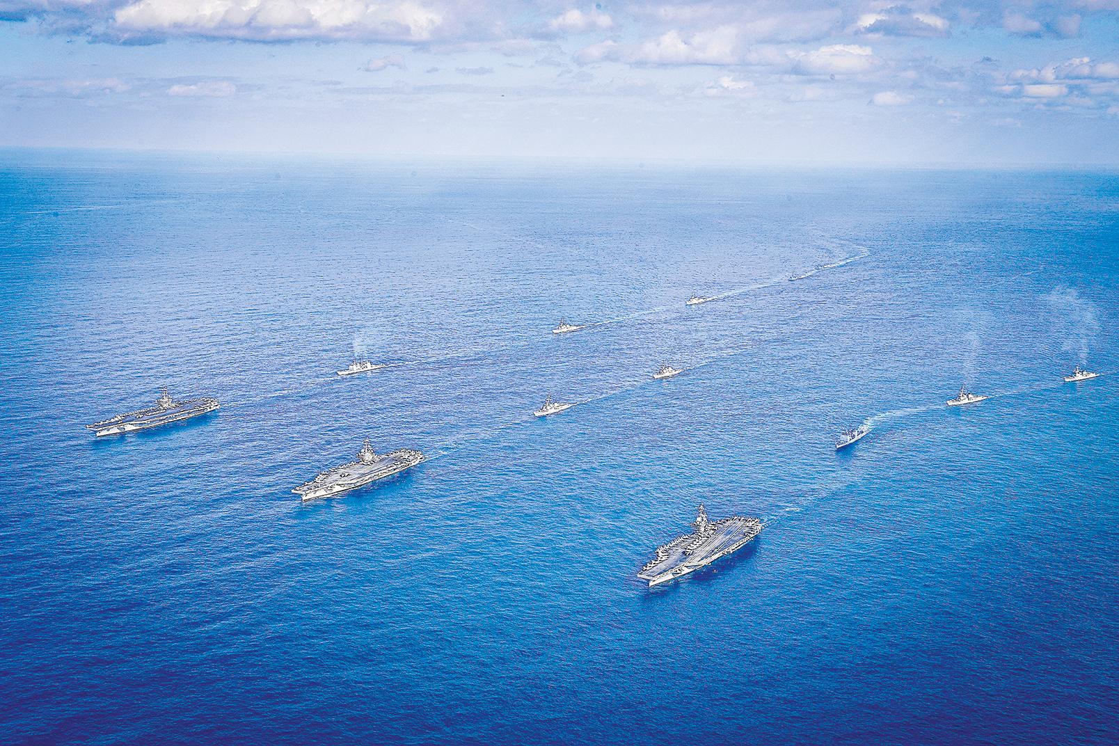 2017年11月,朝鮮半島局勢緊張之際,美國三艘航母在日本海舉行聯合演練。(Getty Images)