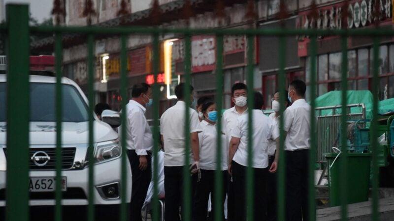 截止15日上午,遼寧、河北、四川3省都出現與北京確診關聯病例。(GREG BAKER/AFP via Getty Images)