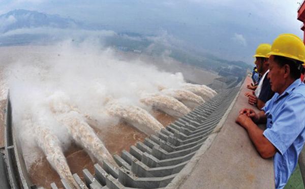 中國南方148條河流超過警戒水位,不少人預警三峽大壩危矣!(Getty Images)