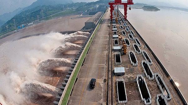 當初興建三峽大壩時,中共全國宣傳可以有助發電,防洪,交通等等,結果一樣都達不到。(AFP)