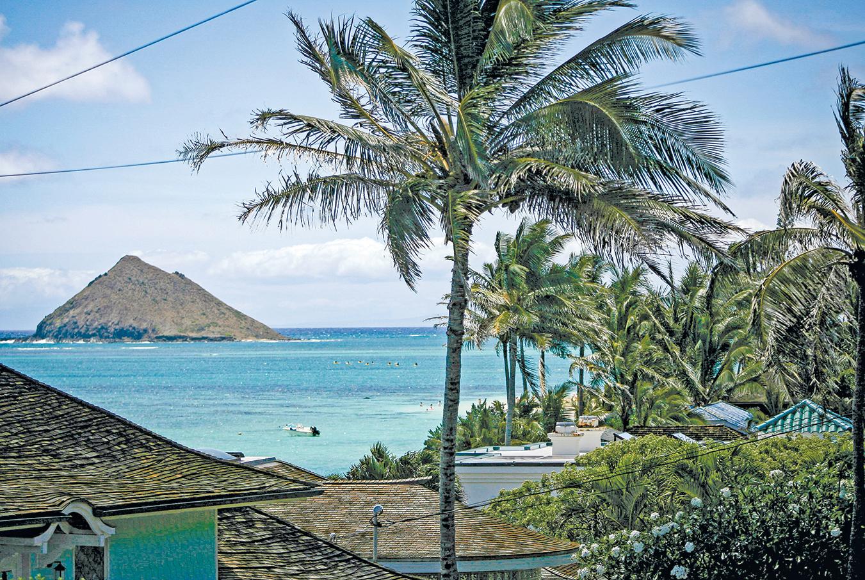 中共外事辦主任楊潔篪約美國務卿蓬佩奧,在美國夏威夷會面,意在緩和與美國的緊張關係。圖為夏威夷一處海邊。(Getty Images)