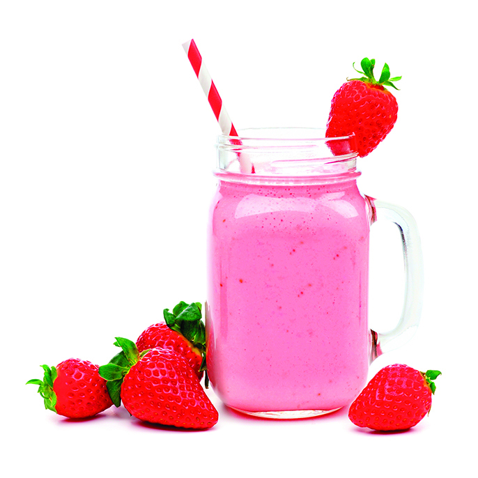 用草莓做果昔,很適合小朋友。