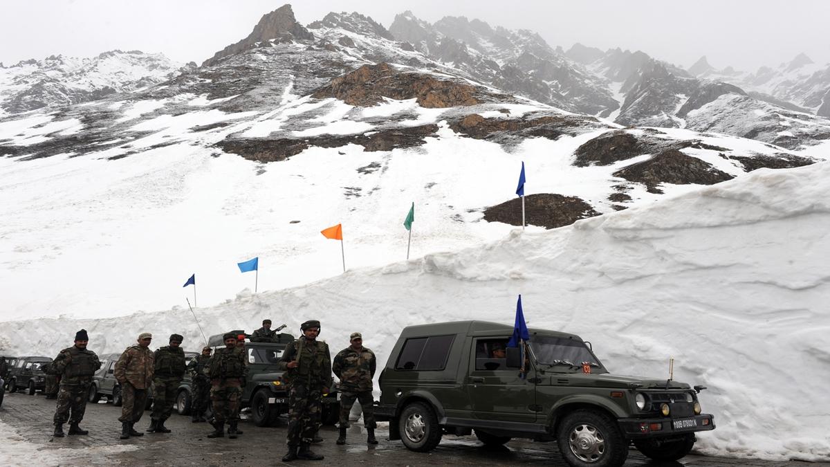 最新一輪的中印邊境對峙持續了5周。示意圖(INDRANIL MUKHERJEE/AFP via Getty Images)