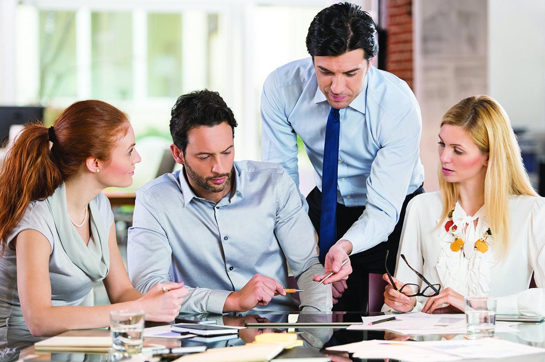 平時有潔癖的人,在職場上也容易挑剔別人。
