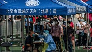 北京核酸檢測現場人潮爆滿 民眾批政府無知