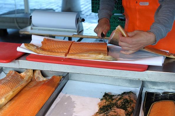 受疫情連累 挪威三文魚上周對中國出口降34%