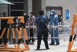 北京機場出現逃難潮 網絡傳出京民求救信