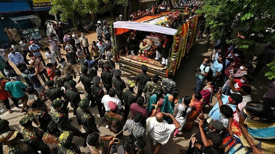 邊防軍被隆重下葬 印軍獲緊急授權可邊界對抗共軍