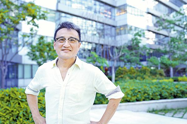 香港資深銀行家、時事評論員吳明德教授表示,美國先挑起中共「內訌」,待時機成熟,推出制裁措施,或引發銀行業槓桿爆破。(李曉彤/大紀元)