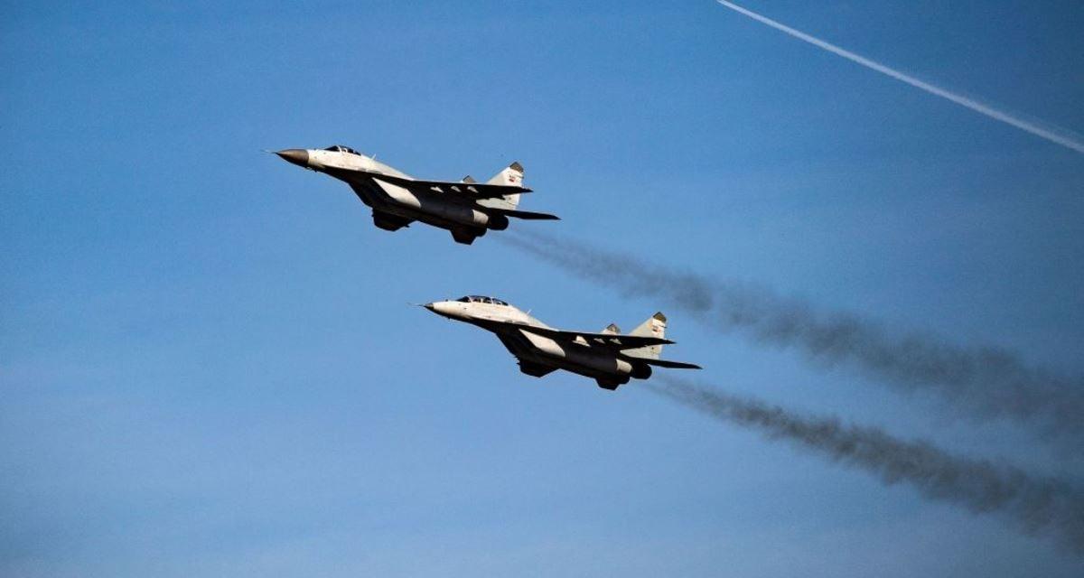 俄羅斯製造的MiG-29戰機在空中飛翔。示意圖與新聞無關。(ANDREJ ISAKOVIC/AFP via Getty Images)