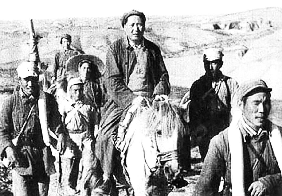 毛澤東和紅軍「長征」逃亡到陝北,自詡「領導全民族抗戰的中流砥柱」。(網絡圖片)
