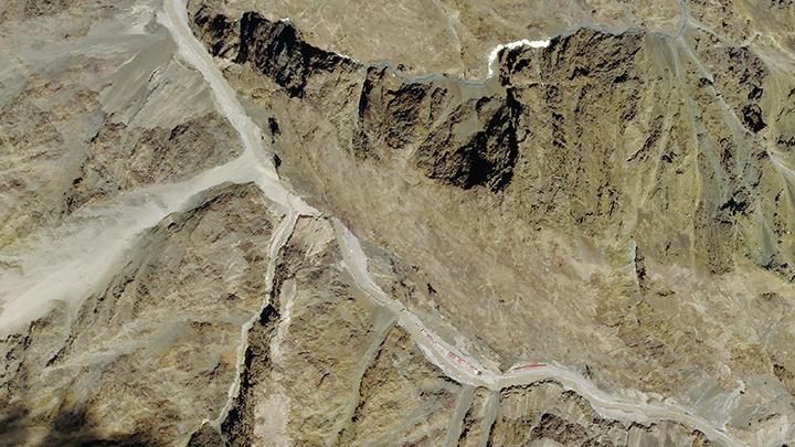 Planet Labs公司6月9日拍攝的加勒萬河谷(Galwan River valley)的衛星圖片。此地為中印衝突的發生地。(AFP)