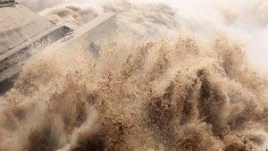 三峽洪水持續上漲 民憂潰壩 980座水庫急洩洪