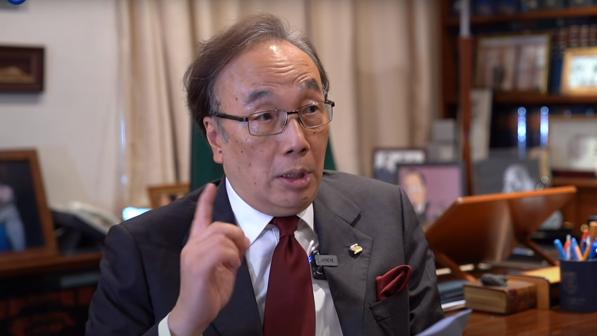 公民黨主席、資深大律師梁家傑。(大紀元採訪影片截圖)