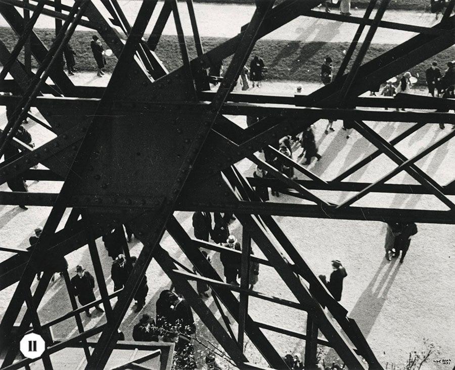 多邊形的巴黎鐵塔構圖,以獨特的視角展示這一經典建築物的另一形態。(受訪者提供)