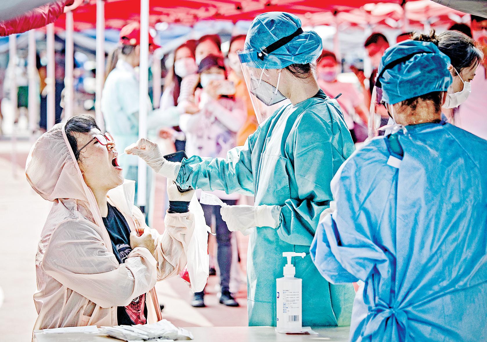 6月23日,北京對市民進行大規模病毒測試。(Getty Images)