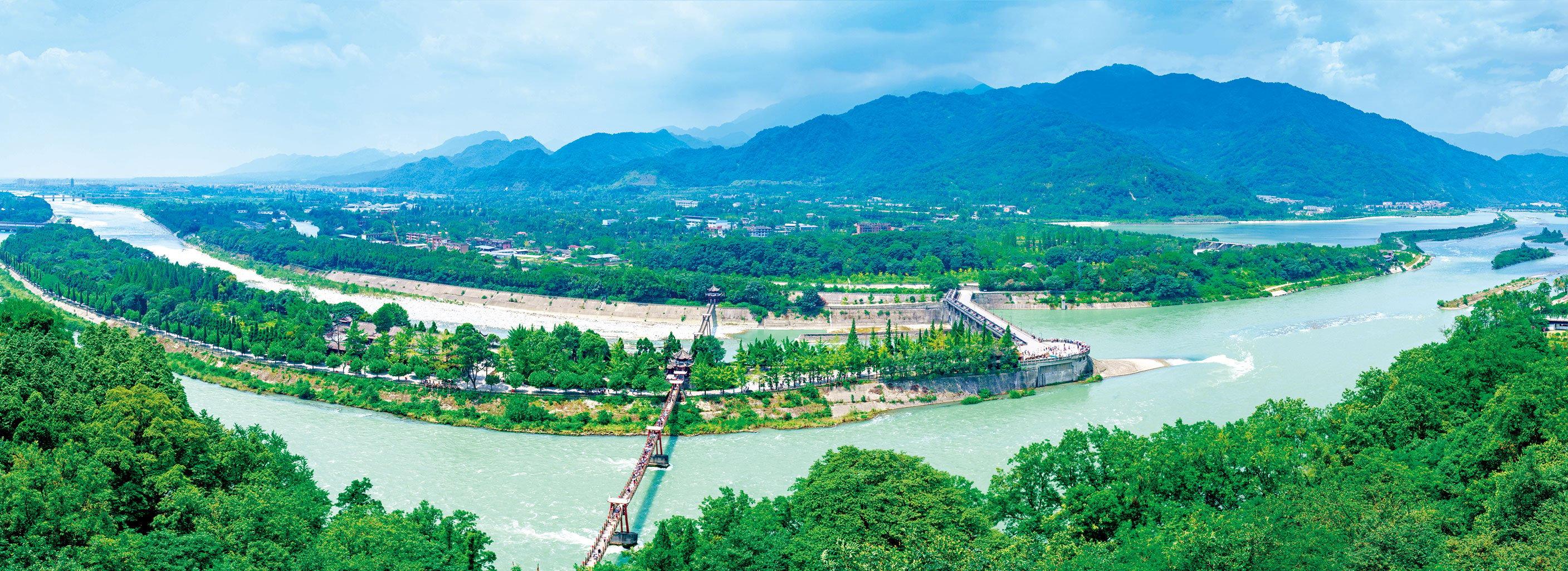 位在中國四川的都江堰,建成於紀元前,一直運轉至今,在公元2000年被列入世界文化遺產之一。(Shutterstock)