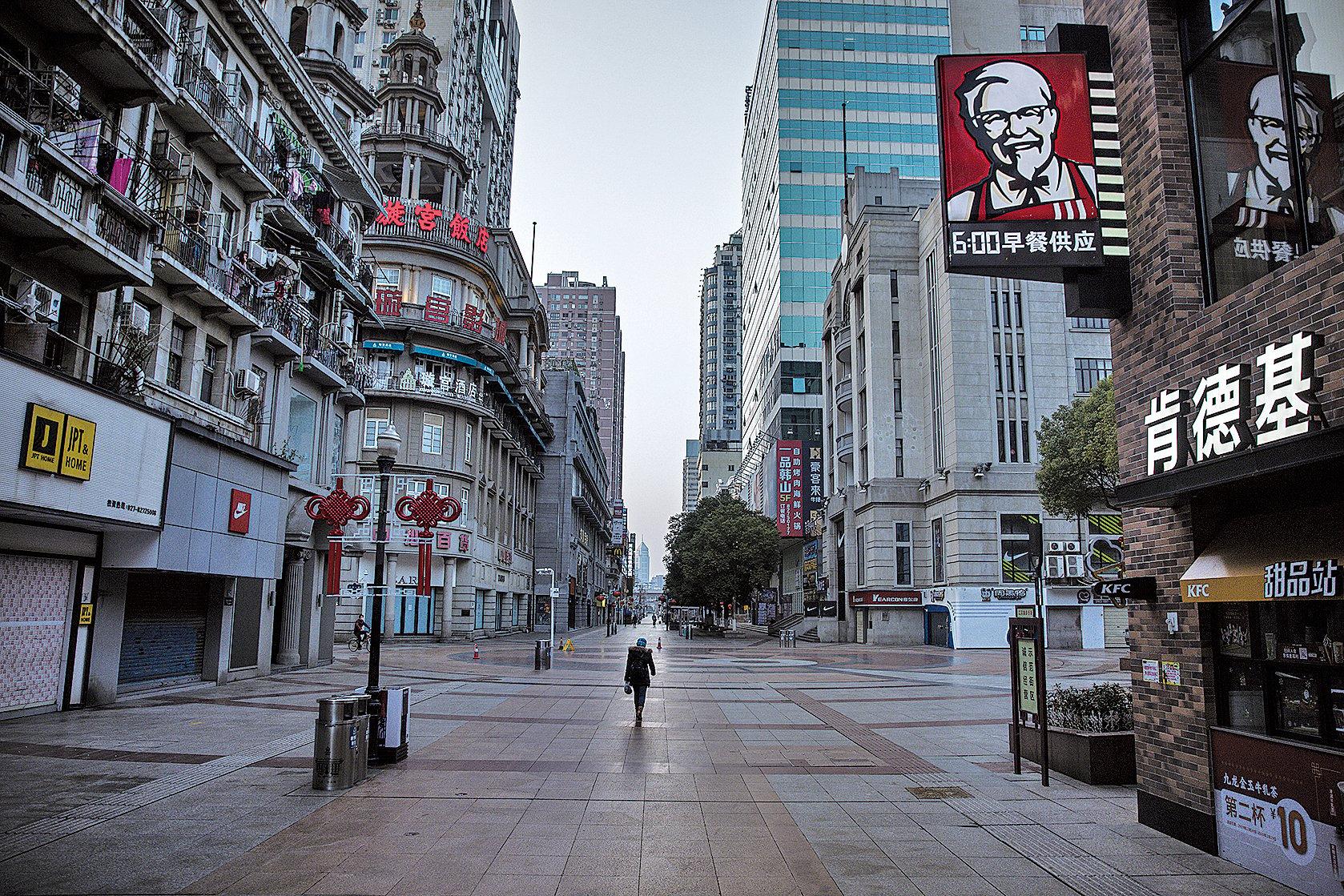 2020年1月23日武漢封城後街上空蕩蕩。 (Stringer/Getty Images)