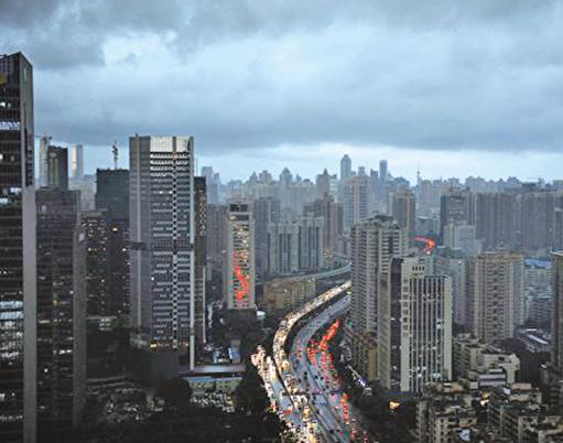 為烏雲籠罩的深圳。(Getty Images)