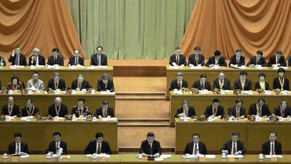中共政治局疑「半癱瘓」 常委會突現異常