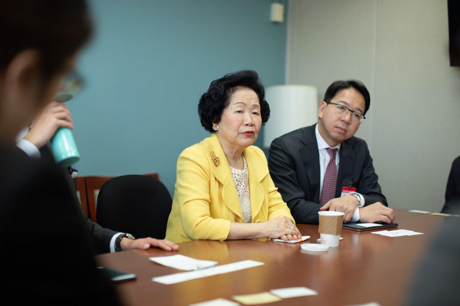 立法會議員莫乃光、郭榮鏗及前政務司司長陳方安生去年3月,與國務卿辦公室的官員會面,方就香港最新情況交換了意見。(公民黨提供)