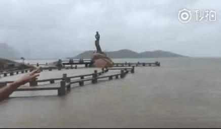 珠海漁女平台已被海水淹沒。(網絡圖片)