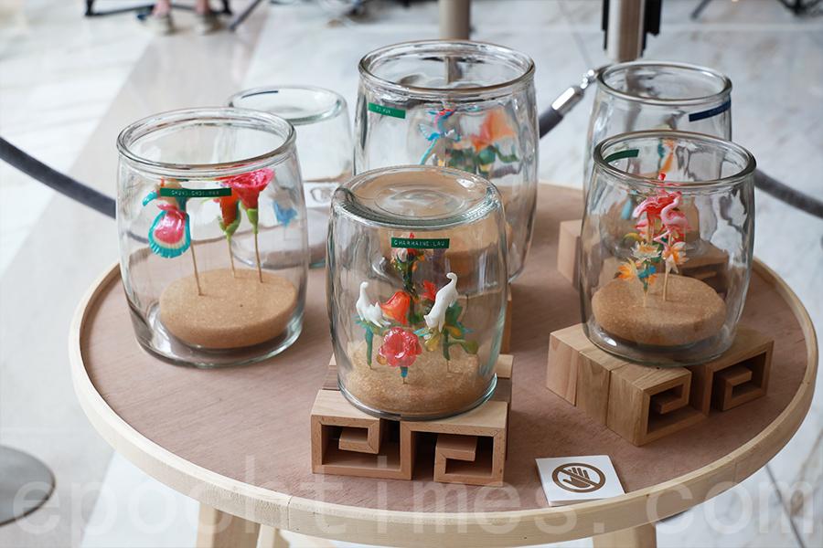 銅鑼灣希慎廣場9樓Urban Sky展出的吹糖展品。(陳仲明/大紀元)