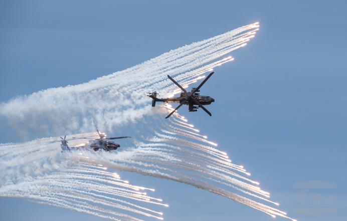 台灣國軍近日展開反登陸作戰實彈操演,因應台海對立持續升溫。圖為AH64E火箭彈。(軍聞社卓以立/台灣國防部 )