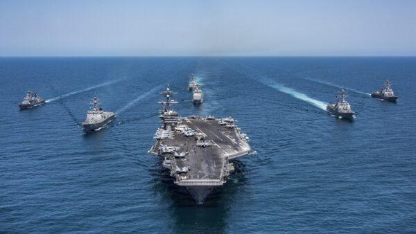 美國2艘航空母艦前往南海地區,在美國國慶日舉行海軍近年來最大規模的軍演。示意圖( Z.A. Landers/U.S. Navy via Getty Images)