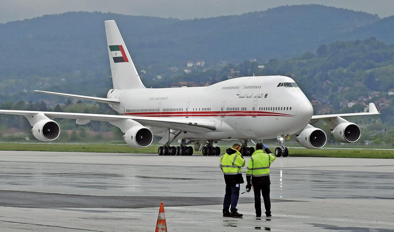 5月27日,阿聯酋機場一架運送防疫物資的波音747飛機。(Getty Images)