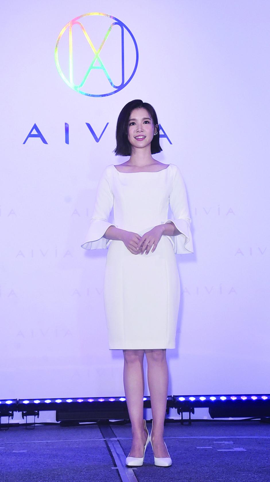 台灣女星李佳穎使用了微針淡斑貼片,讓自己臉上的斑點淡化。