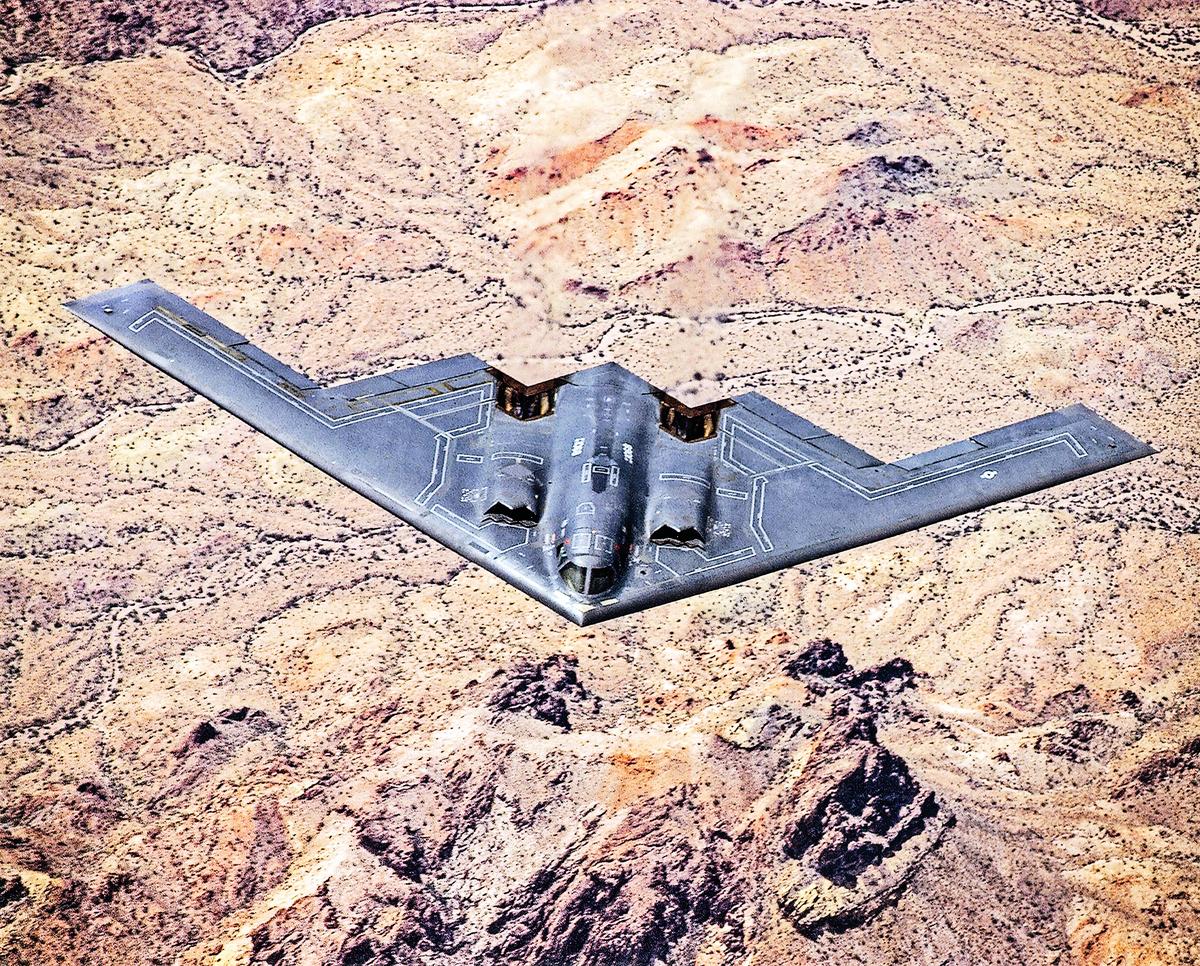 1989年首次正式試飛的B-2轟炸機。(U.S. Air Force)